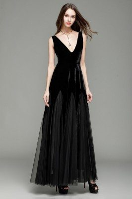 Black Deep V-neck Velvet And Tulle Formal Dress