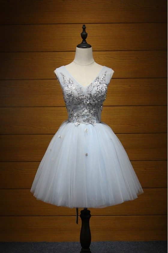 V-neck Short Grey Homecoming Dress With Lace Beading For Teens