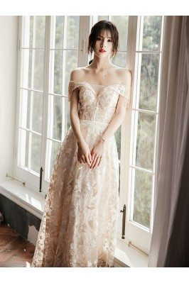 Elegant Champagne Lace Long...