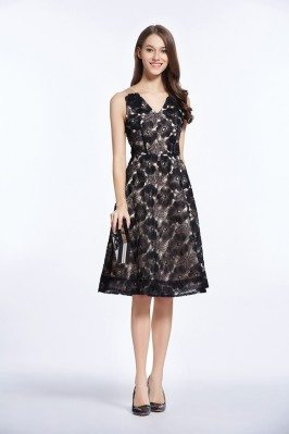 Black V-neck Organza Short Party Dress