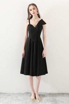2018 Black Aline Simple Midi Homecoming Dress for Parties - HTX86006